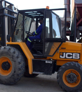 Rough Terrain Masted Forklift