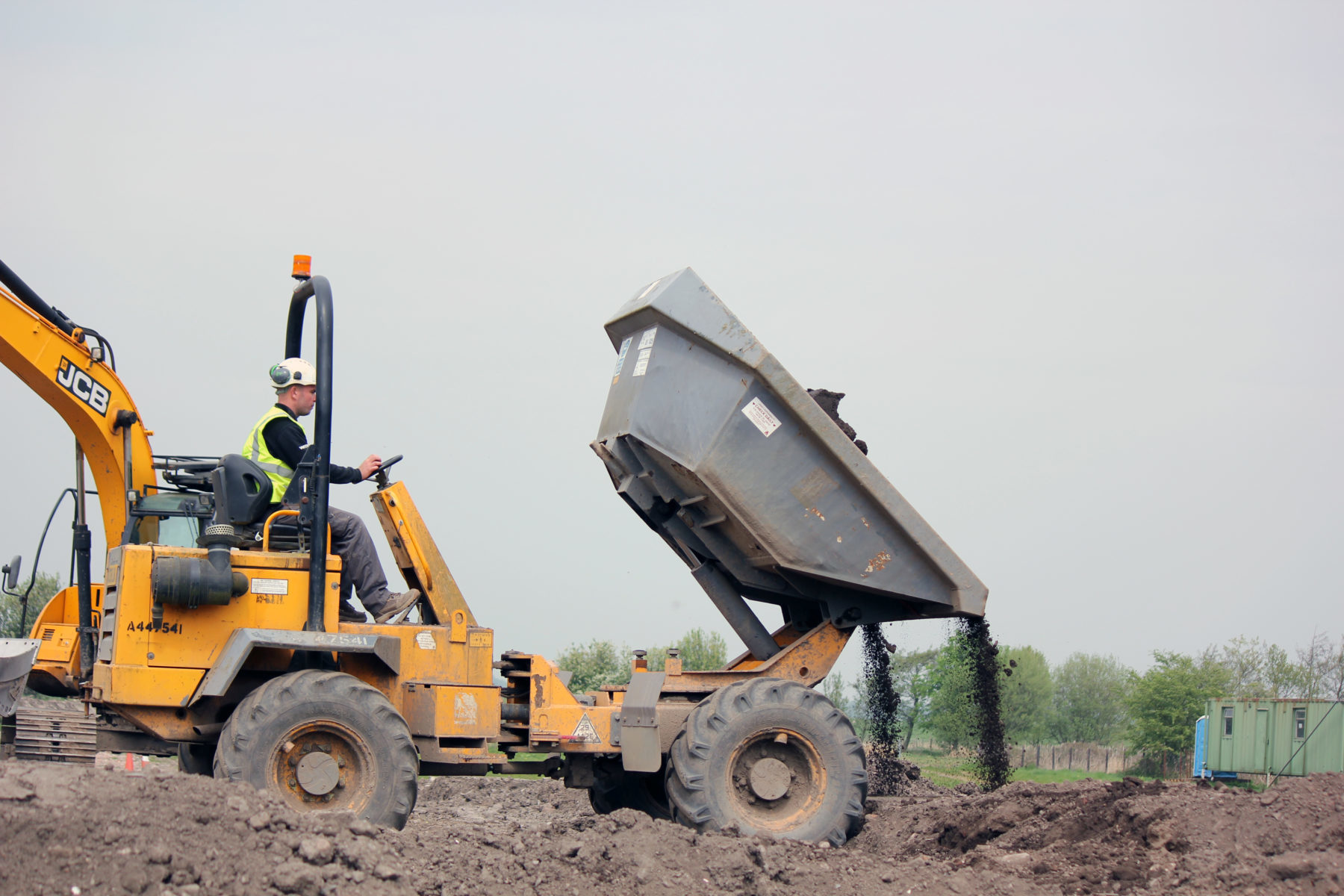 Forward tipping dumper dumping - Citb skills and training fund